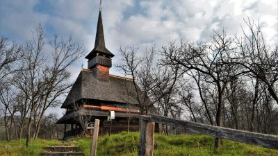 wooden church maramures desesti unesco