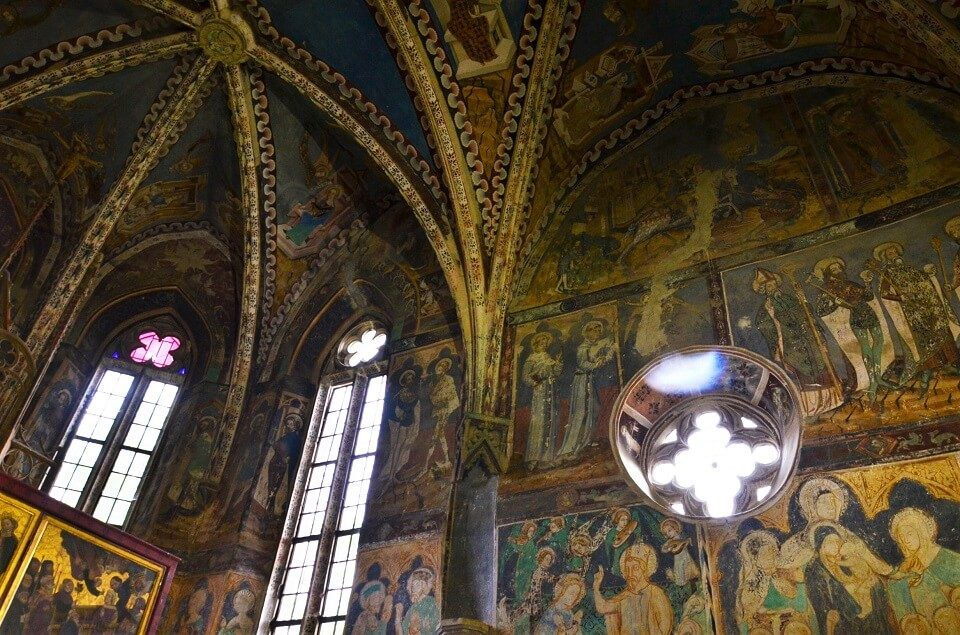 malancrav church frescoes
