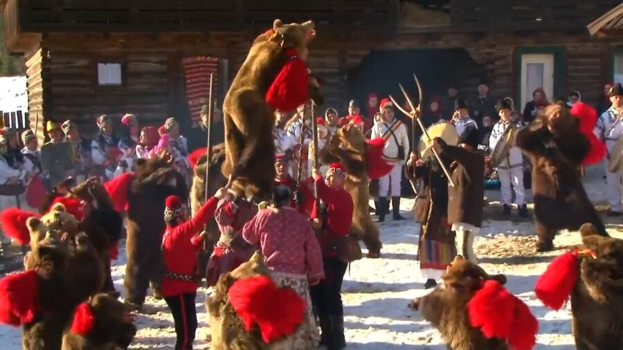 Dance of the Bear – a pre-Christian tradition well-preserved in Romania